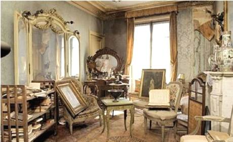 Parisian Apartment Untouched For 70 Years